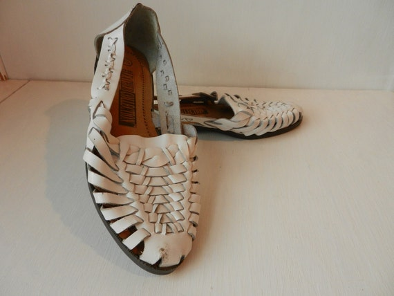 Vintage White Haurache Sandals-Leather sandals- Womens Size 5.5