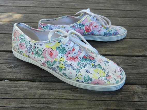 You searched for: floral tennis shoes! Etsy is the home to thousands of handmade, vintage, and one-of-a-kind products and gifts related to your search. No matter what you're looking for or where you are in the world, our global marketplace of sellers can help you find unique and affordable options. Let's get started!