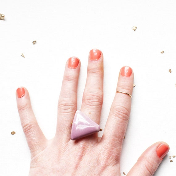 PORCELAIN TRIANGLE RING / geometric hammered brass statement ring featuring a gorgeous shiny lilac porcelain triangle