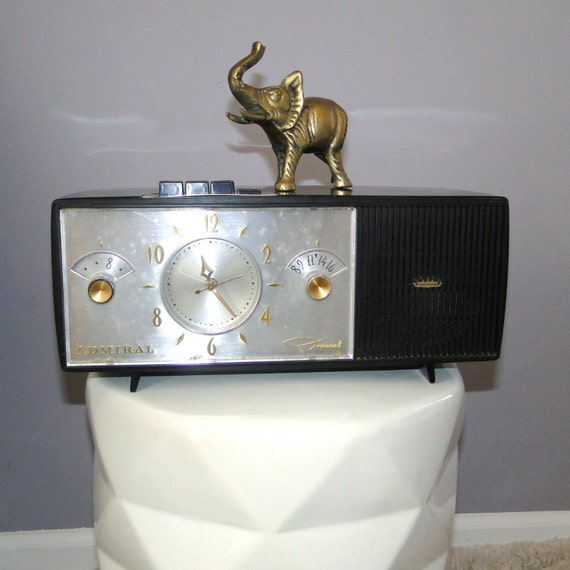 Vintage Admiral Imperial Electronics Clock Radio Midcentury Modern Atomic Age Working Model Forrunner to the I-Pod
