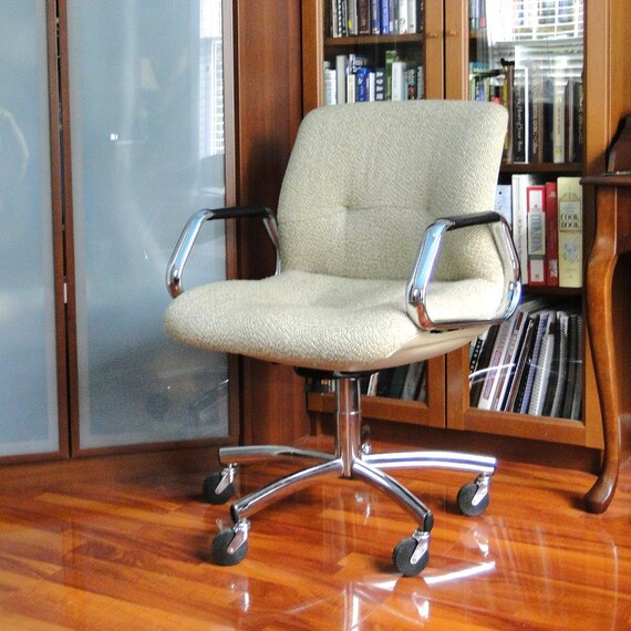 Vintage Chair Steelcase Upholstered Office Swivel Chair 1970s Molded Mod Seat Chrome Neutral Tweed Blonde Desk Chair Industrial
