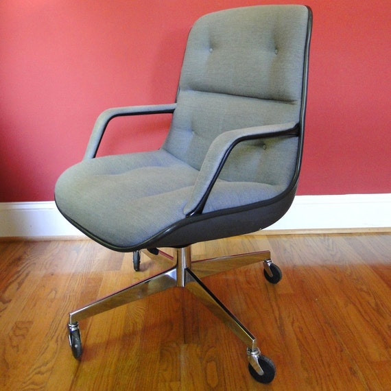 Vintage Chair Steelcase Upholstered Office Swivel Chair 1980s