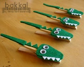 Crocodile shaped handmade felt clothes pins (made to order), Clothes pin, Alligator, Animal, Felt Animal, ,Photo Holder, Memo Holder