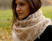 Handwoven scarf with golden thread