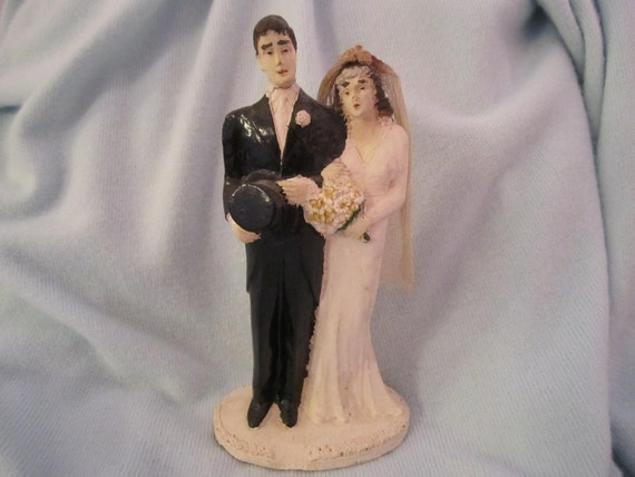 TREASURY ITEM Vintage Chalkware Bride And Groom Cake Topper