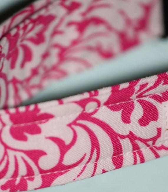 CLOSE OUT COLLAR Pink damask