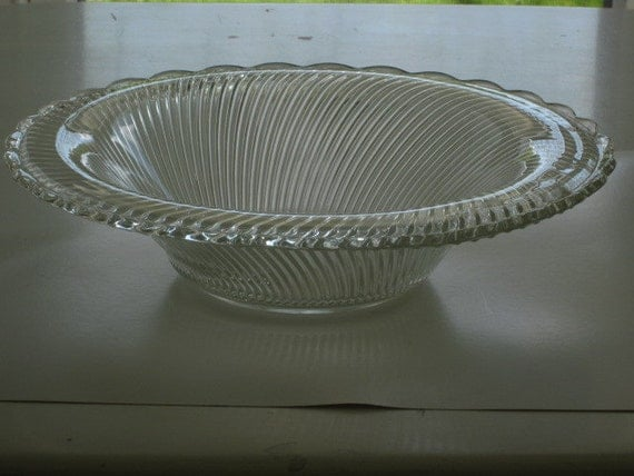 Federal DIANA Crystal Scalloped Edge Serving Bowl Vintage Depression Glass