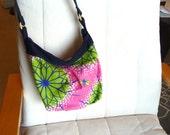 bumble bee bag- cute medium sized purse with zipper closure