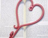 heart / wall hook / cast iron / pink / jewelry hanger / nursery decor