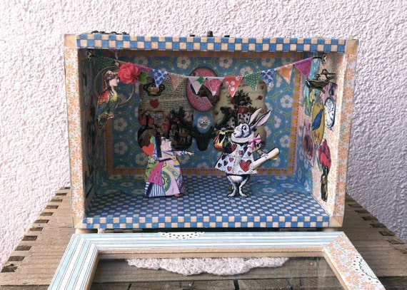 Items similar to Shadow Box Diorama - Queen with no ...