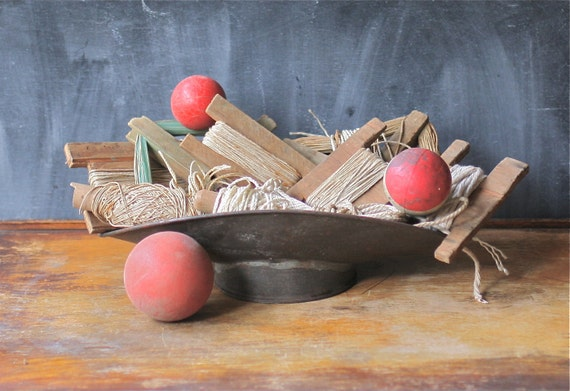 Vintage String Scraps Remnants Wooden Holders