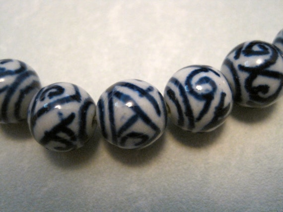 15 Blue and White CHINESE PORCELAIN BEADS