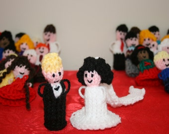 100 x Wedding Favor Finger Puppets Hand Knitted