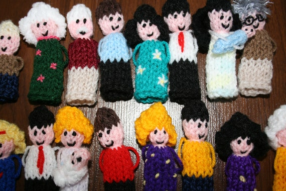 Sale~ 100 x Random People Finger Puppets, hand knitted.