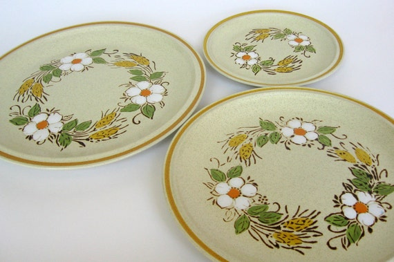 "Vintage 1970s Hearthside Garden Festival ""Prairie Flowers"" Stoneware Dishes, Set of 5 Plates, Serving Platters"