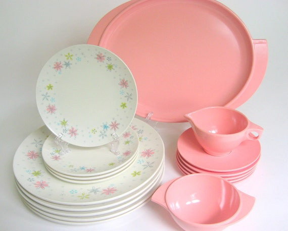 17-Pc Vintage Melamine Dinnerware Set, Boontonware Pink & White Melmac Dishes with Flowers, Perfect for Mother's Day, Picnic