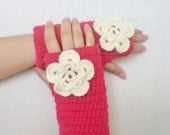 Pink Fingerless gloves with cream flower, hand crochet wool and acrilic gloves, New fashion accessories, handmade gloves