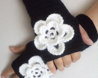 Crochet Gloves, Women's Gloves, Mittens, Floral Gloves, Boho, Fingerless Gloves, For her gift, Arm Warmers, Black and White, Christmas Gifts