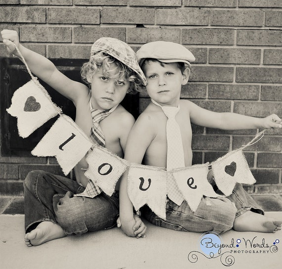 Burlap LOVE banner with hearts - Wedding sign with hearts. Photography prop and wedding decoration.