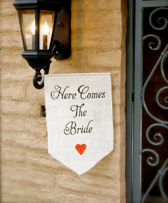 Here come the bride burlap banner - Wedding sign with heart -Here comes the Bride- Burlap sign CUSTOM COLOR - flower girl and ring bearer