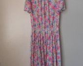 A retro vintage bold floral bouquet print garden party dress, 1980's St Michael. Size 14 uk long / 42 eur long