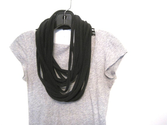 unisex shredded jersey circle scarf. layered rope cowl. black.