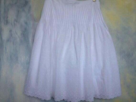 J. Crew Sz 10 Eyelet White Cotton Skirt // Vintage White Peasant Skirt // CaliforniaSeabreeze Shop on Etsy