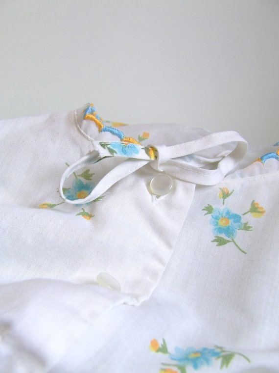SALE 1960s - 70s Danish cotton nightgown with flowers
