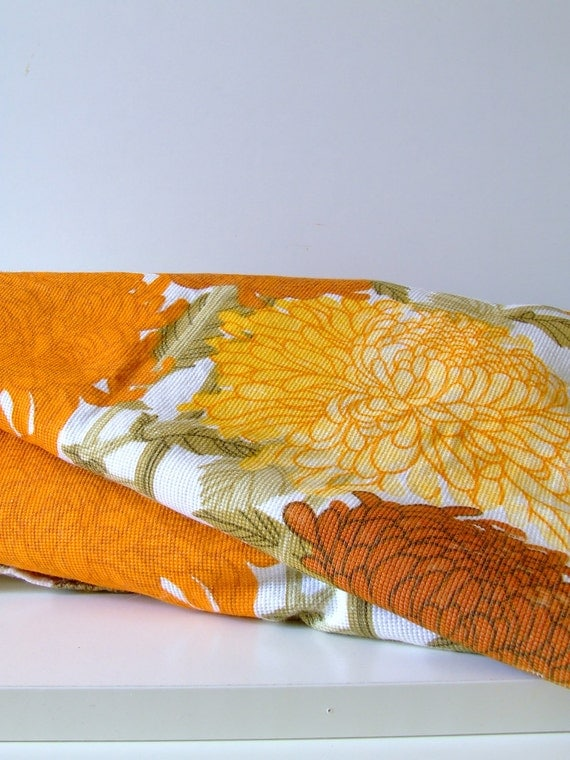 Vintage flower power curtains from the 70s - yellow, orange and golden flowers on white fabric