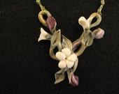 Pendant, Flowers, Ceramic-like