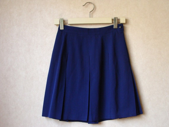 navy blue pleated skirt / wool uniform skirt size small