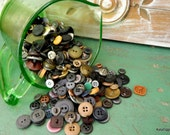 Large lot of vintage Buttons, Browns Tans Blacks and more,,Great authentic old Buttons