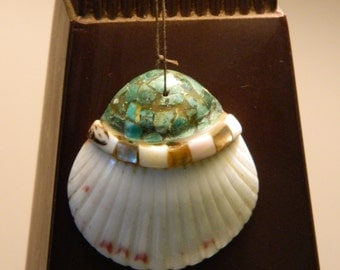 Vintage Santo Domingo Pueblo Inlaid Turqoise Mother of Pearl Clam Shell Pendant Native American