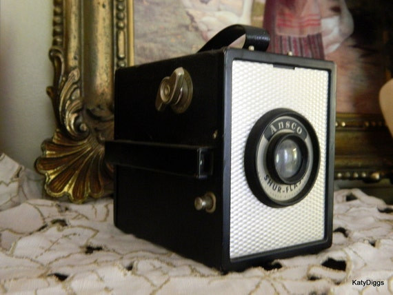 Vintage Box Camera Ansco Shur Flash 1940s era BingHamilton  Fantastic Condition