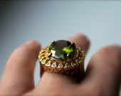 Vintage Green Cocktail Ring Oval Rhinestone with Small Clear Rhinestones