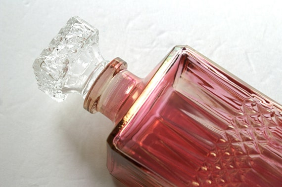 Vintage Pink Glass Liquor Decanter with Diamond Pattern and Glass Stopper