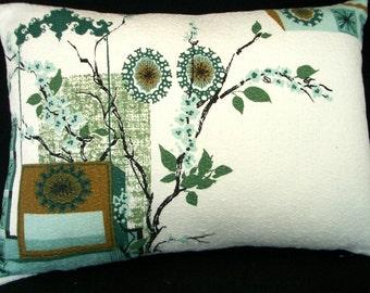 "Vintage barkcloth  Pillow cover for 12"" x 16"" lumbar - travel - budoire  pillow - Atomic Retro Green on white"