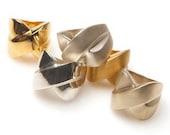 Cross Kiss Ring - White Bronze Satin