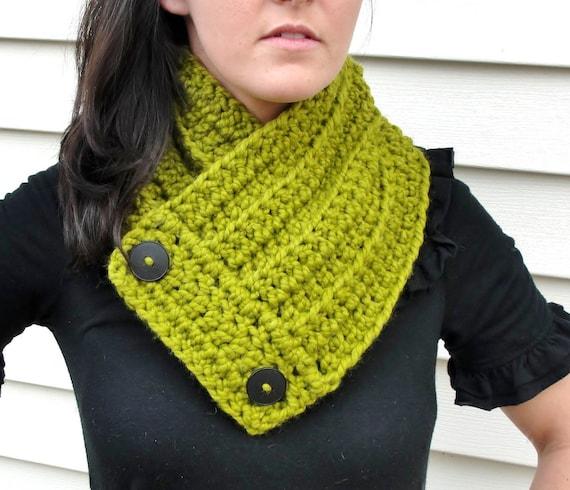 Crochet Neck Warmer in Green