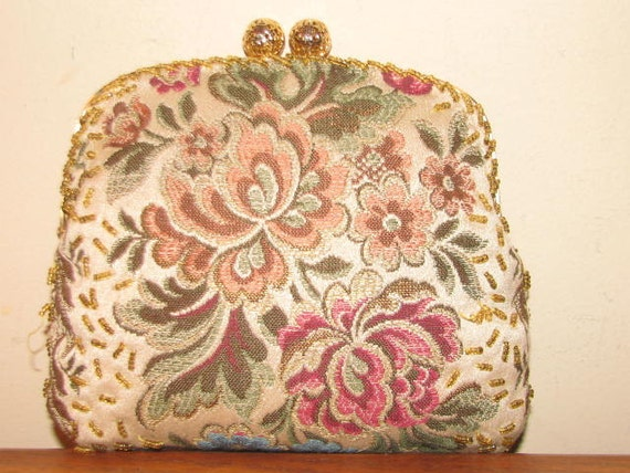 Vintage WALBAEG TAPESTRY Purse CLUTCH Floral 50's Flowers Multi Colored Gold Bubble Clasp Beaded Snake Chain