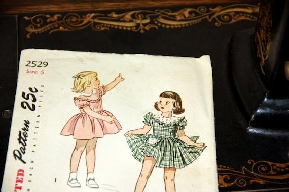 Simplicity 2529,Vintage Girls size 5,  Dress Pattern, 1940s Sewing Pattern