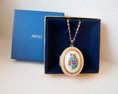 Vintage 1979 Avon Pearls and Violets Locket