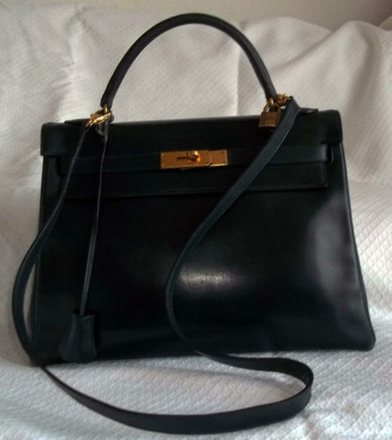 Reserved for tammy tse ! Hermes Kelly  vintage navy blue handbag,  box leather, with lock, keys,