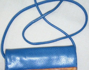 JENNIFER MOORE blue leather purse with 25in strap
