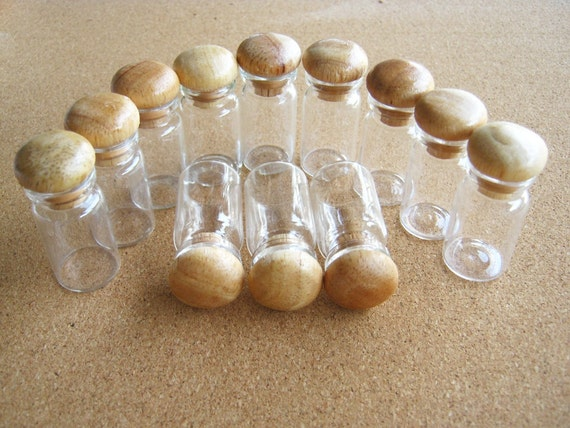 Glass Bottles, Little Glass Bottle with Wooden Cover 6pcs Clear Bottle wood top High Quality 5ml,wedding favor,party, container