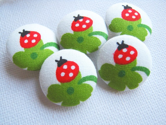 Fabric Buttons, Fabric covered button, Ladybug Red Green Set 5pcs,18mm, woman, summer, spring, cute ,quilt,flower, handmade