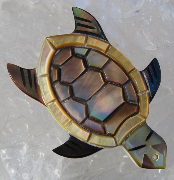 Shell Pendant MOP Mother of Pearl Black Lip Shell Turtle Totem Large 60x45x7mm Qty 1