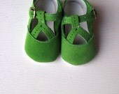 Custom Listing for Laura - Apple Green Suede Y-Strap Shoes Size 1