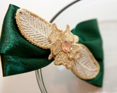 Zilly's - (V) - Handmade Fabric Hair Clip with Rhinestone, Stitched Leaf and Ribbon Bow - dark green/shimming gold