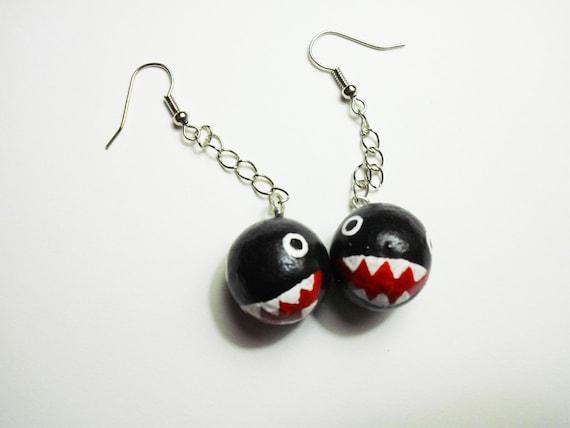 chain chomp earrings mario